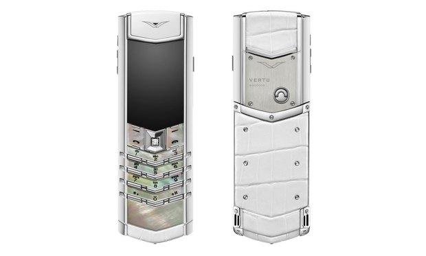 4 chiếc điện thoại Vertu sang chảnh mà ai cũng từng thích mê mệt - Ảnh 1.