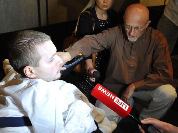 Chỉ hơn 3 tháng nữa, bác sĩ điên người Ý sẽ thực hiện ca ghép đầu người đầu tiên trên thế giới - Ảnh 4.