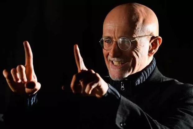 Chỉ hơn 3 tháng nữa, bác sĩ điên người Ý sẽ thực hiện ca ghép đầu người đầu tiên trên thế giới - Ảnh 1.
