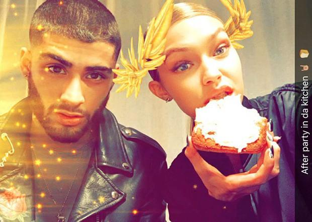 Mắt to tròn, mi cong vút, Zayn chụp ảnh selfie còn xinh hơn cả bạn gái Gigi Hadid - Ảnh 5.
