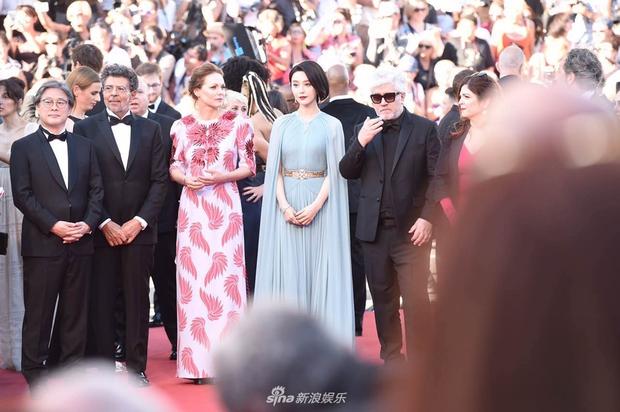 Thảm đỏ LHP Cannes: Phạm Băng Băng lộng lẫy như nữ hoàng, quyết cân dàn mỹ nhân quốc tế - Ảnh 11.