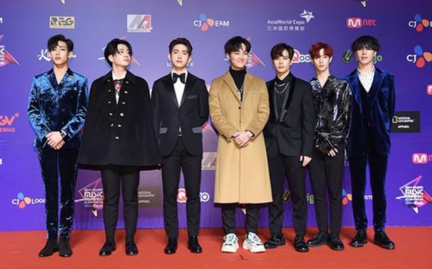 Thảm đỏ MAMA Hồng Kông: Song Joong Ki, Lee Young Ae mê mẩn Wanna One, Song Ji Hyo và em út Red Velvet hở bạo - Ảnh 49.