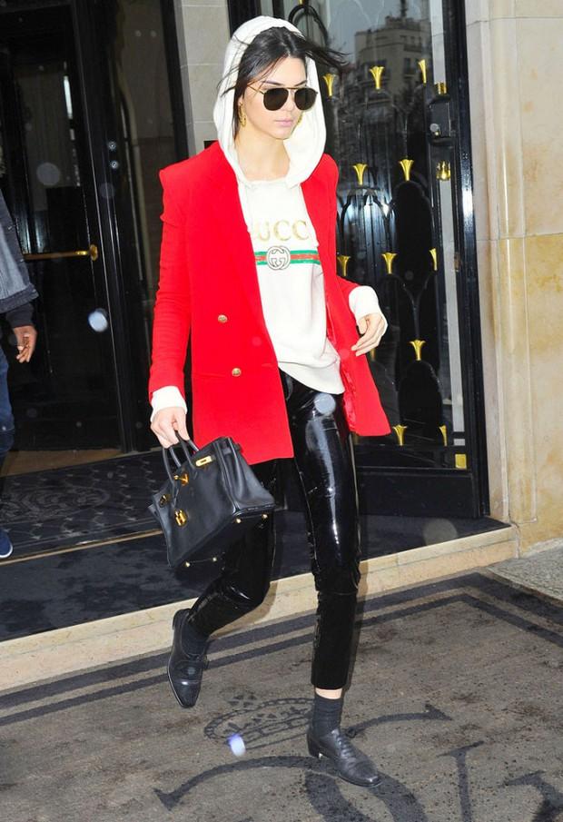 Hồ Ngọc Hà & Kendall Jenner: Cùng áo thun Gucci giá chát, ai diện oách hơn? - Ảnh 3.