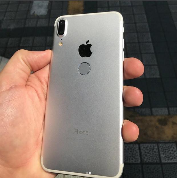 Vào ngay để xem dung nhan iPhone 8 đã lộ diện không thể rõ nét hơn - Ảnh 2.