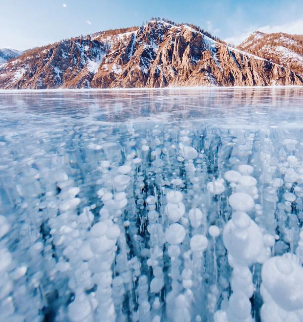 Ngắm nhìn hồ băng đẹp như cổ tích ở miền nam nước Nga - Ảnh 1.