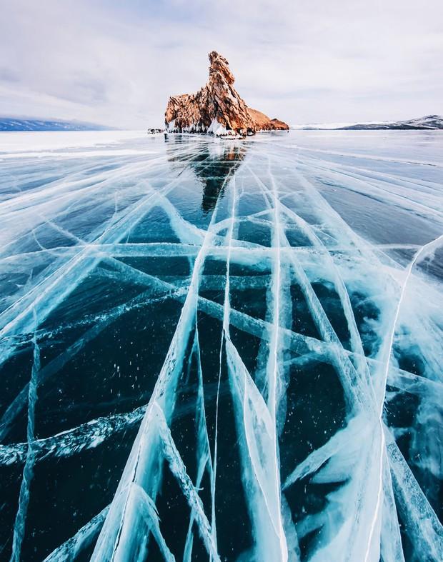 Ngắm nhìn hồ băng đẹp như cổ tích ở miền nam nước Nga - Ảnh 5.