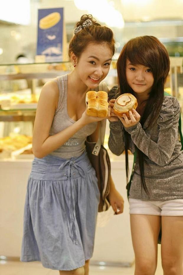 Lâu rồi mới thấy em gái Angela Phương Trinh xuất hiện cùng chị: Dịu dàng và kín đáo hơn xưa nhiều! - Ảnh 14.