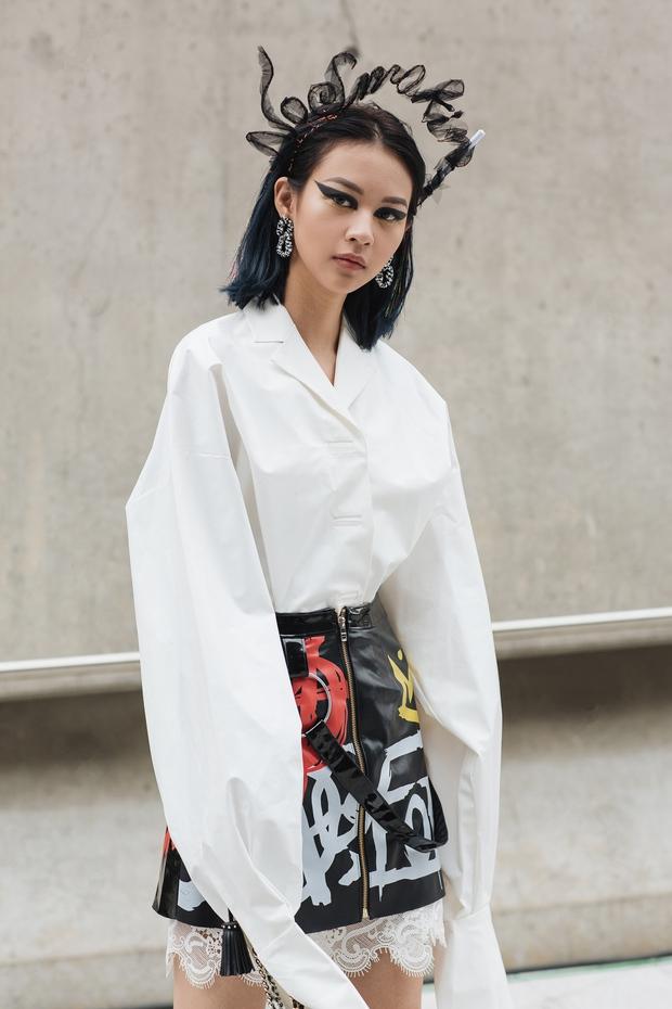 Phí Phương Anh như bước ra từ truyện tranh, Jolie Nguyễn mạnh tay dát lên người 700 triệu không thua Hoàng Ku - Ảnh 1.