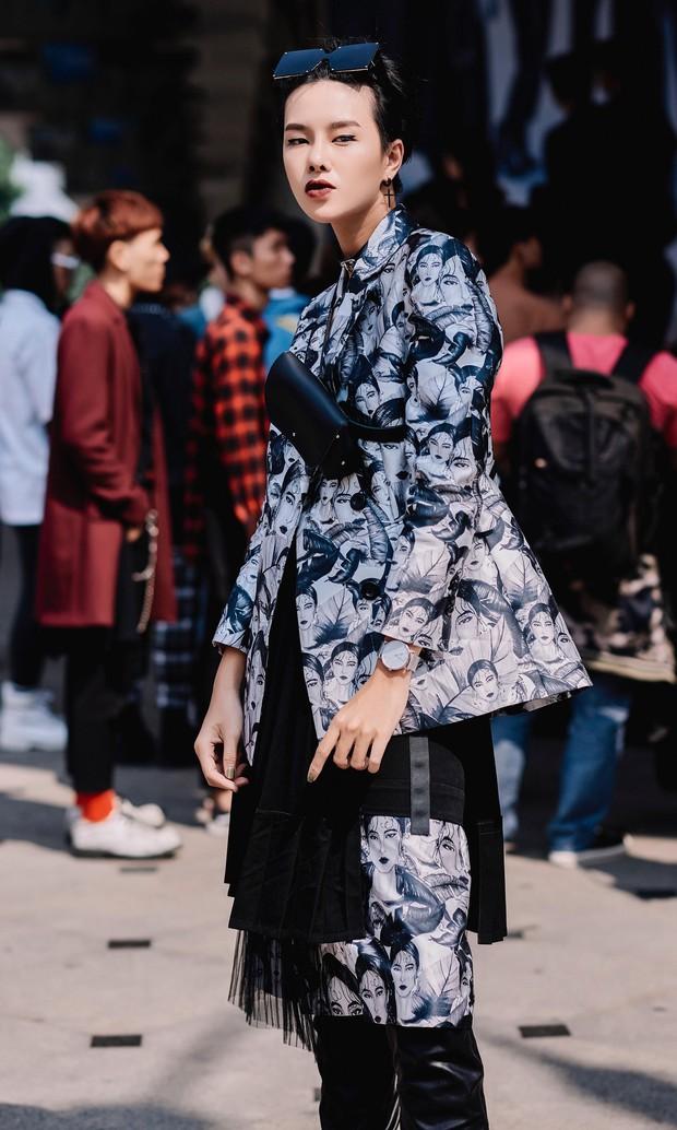 Người mẫu tomboy nhất Việt Nam để lộ 100% vòng 1 trên sàn diễn Elle Fashion Show - Ảnh 8.