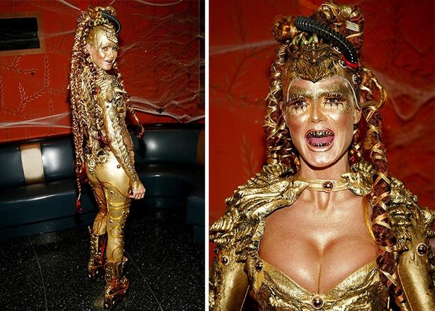 Nghỉ hưu Victorias Secret, cựu siêu mẫu Heidi Klum vẫn nổi nhờ những bộ đồ Halloween độc-không-đối-thủ - Ảnh 4.