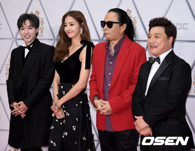 Thảm đỏ MBC Entertainment Awards: Dara bỗng già chát, bị mỹ nhân gợi cảm vô danh và loạt sao nữ sexy đè bẹp - Ảnh 20.