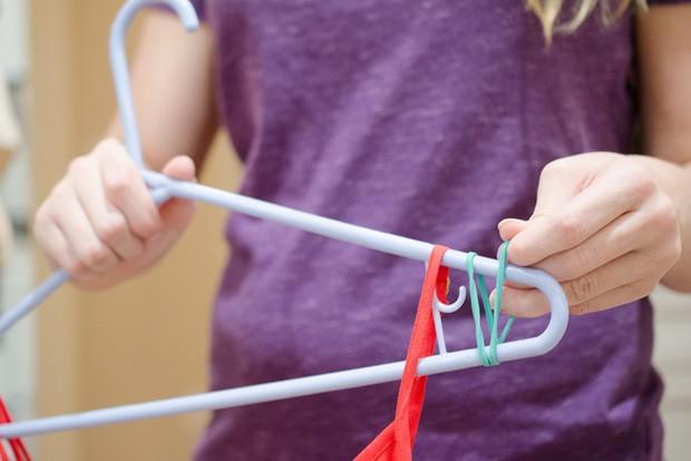 Biết dùng dây thun đúng cách thế này, cuộc sống dễ dàng hơn bao nhiêu! - Ảnh 1.