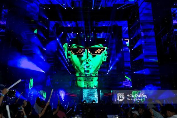 Huyền thoại nhạc Trance Armin van Buuren cân cả đại nhạc hội EDM khiến fan Sài Thành sướng tai đã mắt đến tận khuya - Ảnh 16.