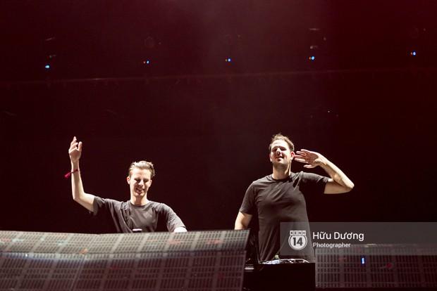 Huyền thoại nhạc Trance Armin van Buuren cân cả đại nhạc hội EDM khiến fan Sài Thành sướng tai đã mắt đến tận khuya - Ảnh 10.
