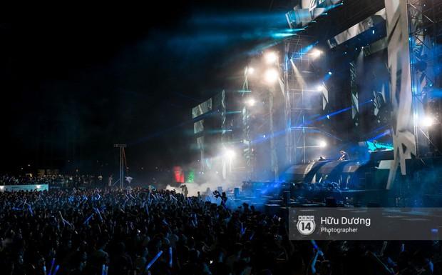 Huyền thoại nhạc Trance Armin van Buuren cân cả đại nhạc hội EDM khiến fan Sài Thành sướng tai đã mắt đến tận khuya - Ảnh 18.