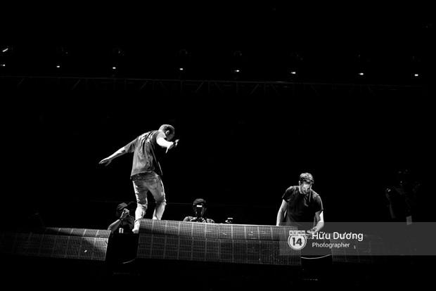 Huyền thoại nhạc Trance Armin van Buuren cân cả đại nhạc hội EDM khiến fan Sài Thành sướng tai đã mắt đến tận khuya - Ảnh 11.
