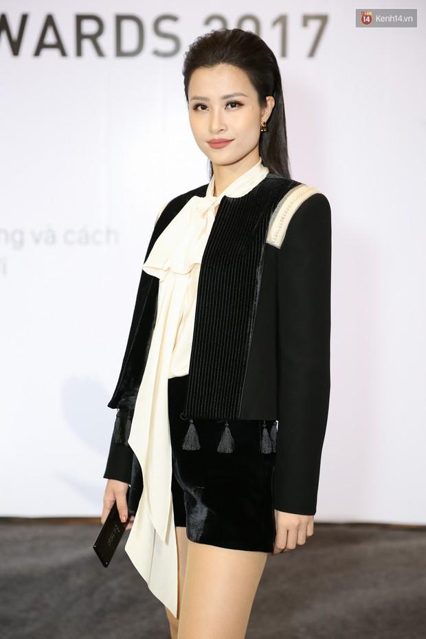 Đông Nhi cùng dàn mỹ nhân Việt xinh đẹp nổi bật trên thảm đỏ của họp báo WeChoice Awards 2017 - Ảnh 3.