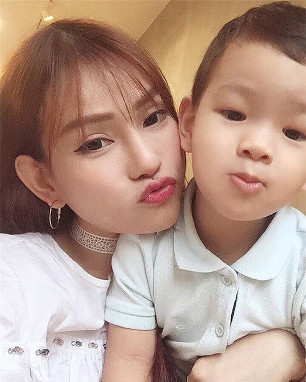 Thu Thủy chia sẻ hậu livestream tiết lộ chuyện ly hôn: Chỉ mong hai mẹ con không bị dồn đến đường cùng - Ảnh 1.