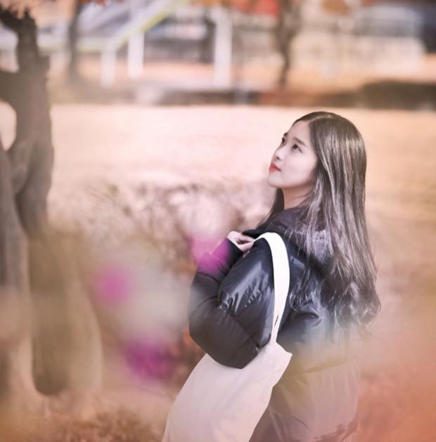 Vẻ đẹp mong manh của cô gái Hàn 21 tuổi được ví như bản sao IU - Ảnh 7.