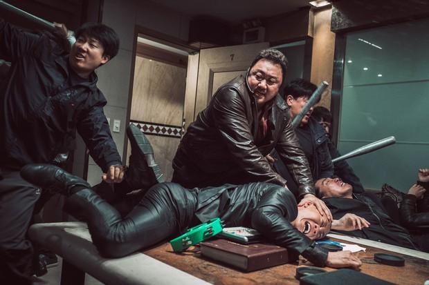 The Outlaws: Xứng đáng là phim Hàn giới hạn tuổi ăn khách thứ ba lịch sử - Ảnh 1.