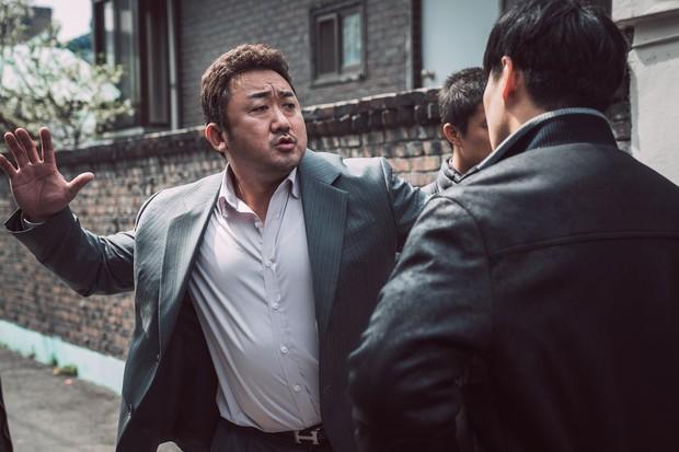 The Outlaws: Xứng đáng là phim Hàn giới hạn tuổi ăn khách thứ ba lịch sử - Ảnh 2.