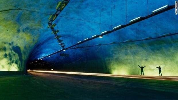Những công trình giao thông trên thế giới khiến nhiều người không tin là nó có thật - Ảnh 4.