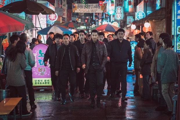 The Outlaws: Xứng đáng là phim Hàn giới hạn tuổi ăn khách thứ ba lịch sử - Ảnh 3.