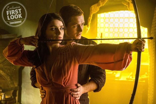 Đặc vụ Kingsman Taron Egerton bụi bặm, phong trần trong tạo hình Robin Hood - Ảnh 4.