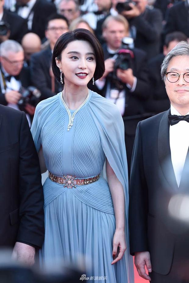 Thảm đỏ LHP Cannes: Phạm Băng Băng lộng lẫy như nữ hoàng, quyết cân dàn mỹ nhân quốc tế - Ảnh 6.