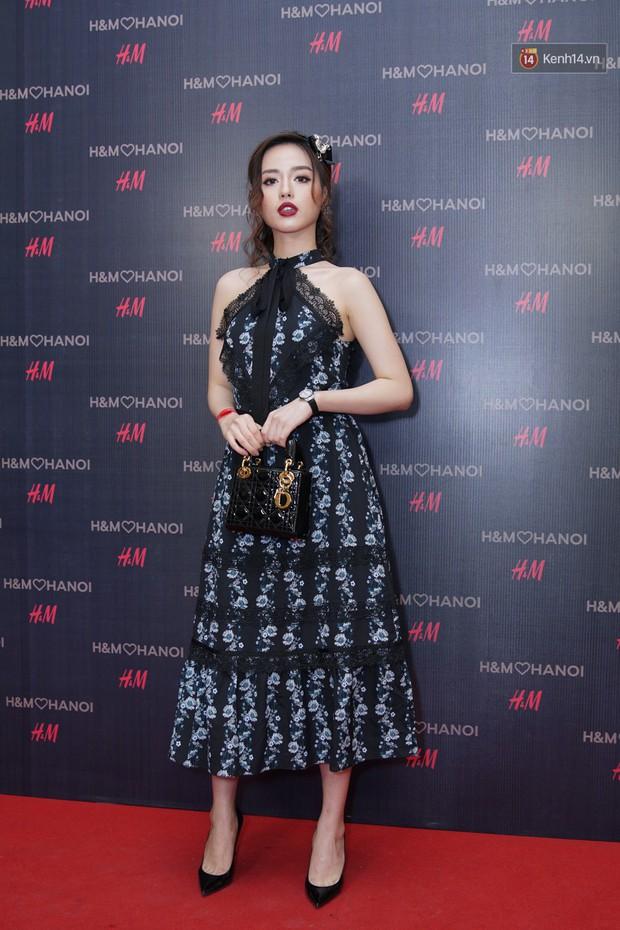 3 gia đình hot nhất mạng xã hội cùng đến mở hàng cho cửa hàng H&M đầu tiên tại Hà Nội - Ảnh 12.