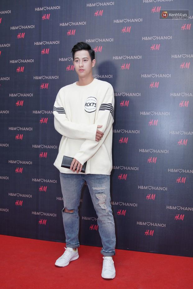 3 gia đình hot nhất mạng xã hội cùng đến mở hàng cho cửa hàng H&M đầu tiên tại Hà Nội - Ảnh 14.