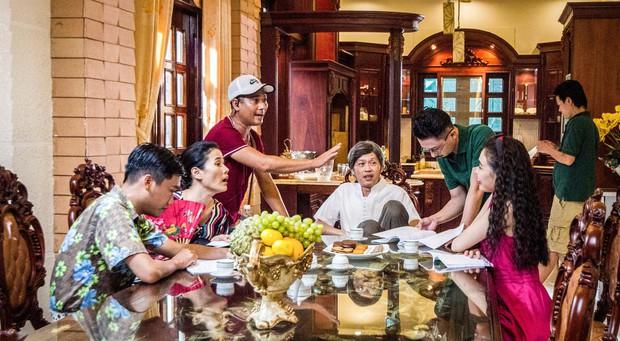 Đến hẹn lại lên, Hoài Linh tái xuất với phim hài chiếu Tết - Ảnh 11.