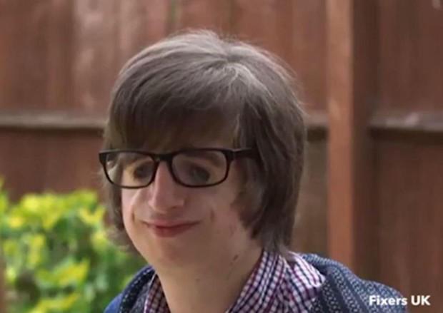 Cuộc đời được dựng thành phim của chàng trai sinh ra đã không có tai - Ảnh 3.