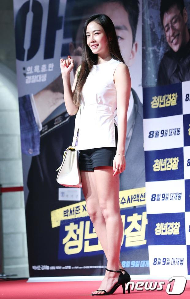 Sự kiện tề tựu binh đoàn trai xinh gái đẹp hot nhất xứ Hàn: Nhan sắc kém nổi bỗng lên hương - Ảnh 15.