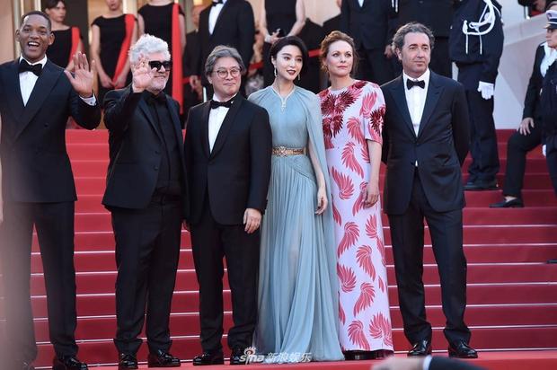 Thảm đỏ LHP Cannes: Phạm Băng Băng lộng lẫy như nữ hoàng, quyết cân dàn mỹ nhân quốc tế - Ảnh 9.