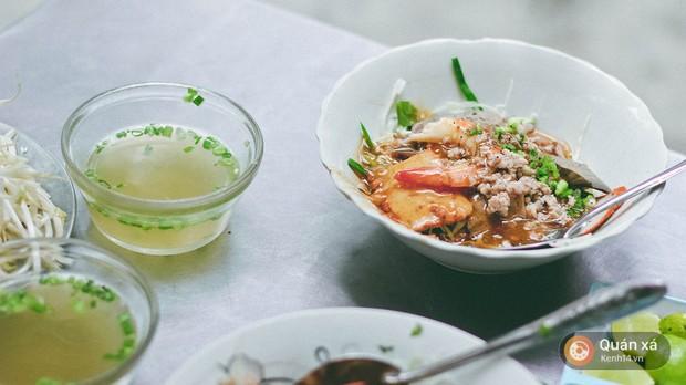 Tiệm hủ tiếu 70 năm ở Sài Gòn ăn hủ tiếu kèm pate chaud cực lạ - Ảnh 11.