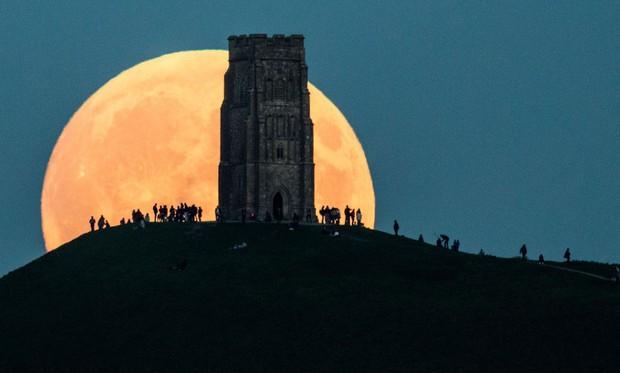 Trăng đang sáng lắm rồi và đây là cách để có những bức hình chụp siêu trăng đẹp nhất vào đêm nay - Ảnh 6.