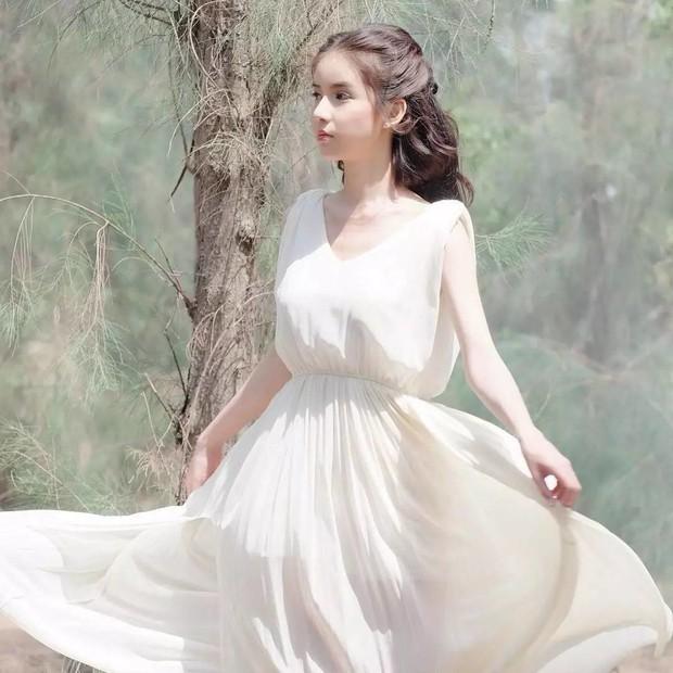 Bị đồn đập mặt xây lại, tân Hoa hậu chuyển giới Thái Lan tung loạt ảnh quá khứ gây bất ngờ - Ảnh 14.