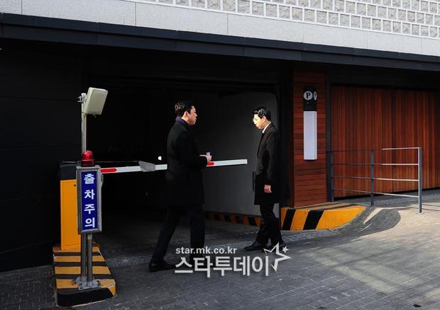 HOT: Rò rỉ hình ảnh hiếm hoi Kim Tae Hee và Bi Rain hạnh phúc thề nguyện bên trong đám cưới thế kỷ - Ảnh 21.