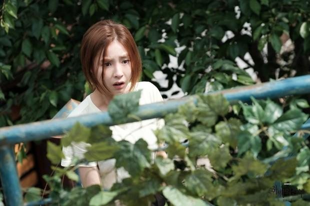 Khi nam chính phim Hàn còn… xinh gấp vạn lần nữ chính! - Ảnh 2.