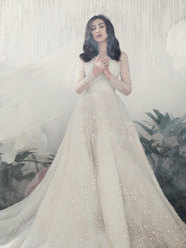 Á hậu Tú Anh đẹp thuần khiết trong BST váy cưới 2017 của Hacchic Bridal - Ảnh 3.