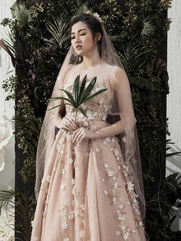 Á hậu Tú Anh đẹp thuần khiết trong BST váy cưới 2017 của Hacchic Bridal - Ảnh 9.