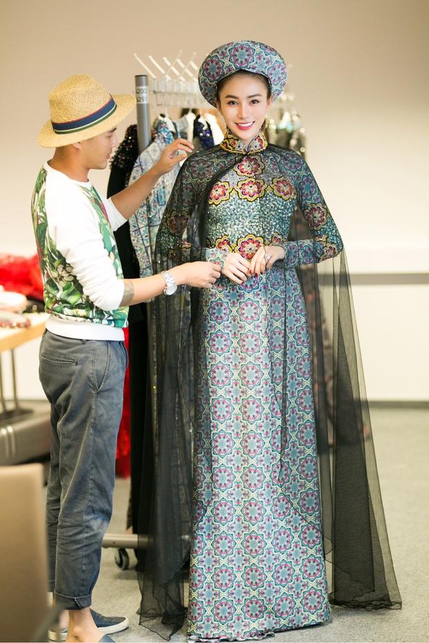 Ngọc Trinh diện nội y tập catwalk cho Đêm Hội Chân Dài bốc lửa tại Berlin - Ảnh 6.