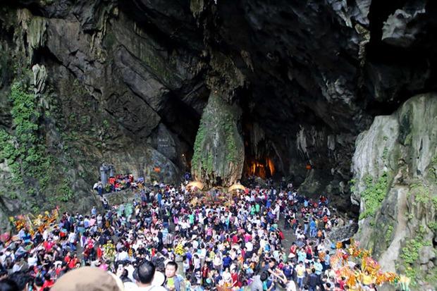 Những lễ hội ở miền Bắc thu hút người dân dịp đầu năm mới - Ảnh 3.