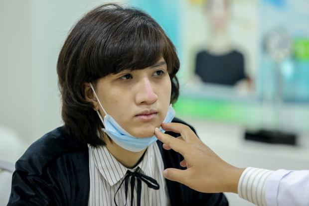 Hé lộ hình ảnh Hồng Xuân đi chỉnh sửa lại mũi do Nguyễn Hợp ném đồ vào gây thương tích - Ảnh 4.