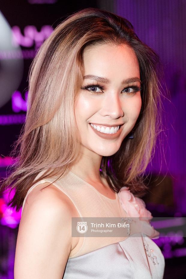 Hội ngộ tại sự kiện làm đẹp, Châu Bùi trung thành với son đỏ trong khi các beauty blogger Việt diện đủ màu son thời thượng - Ảnh 9.