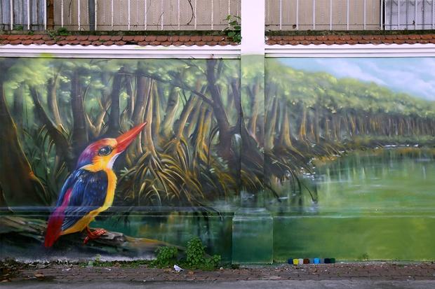 Bức tường cũ kỹ dài 60m bỗng biến thành những bức tranh phong cảnh quê hương 3 miền giữa Sài Gòn - Ảnh 12.