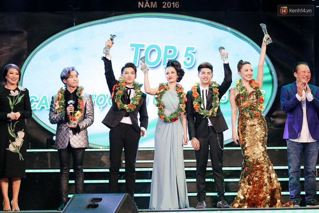 Noo Phước Thịnh, Đông Nhi và Sơn Tùng làm bùng nổ sân khấu Làn Sóng Xanh 2016 - Ảnh 12.