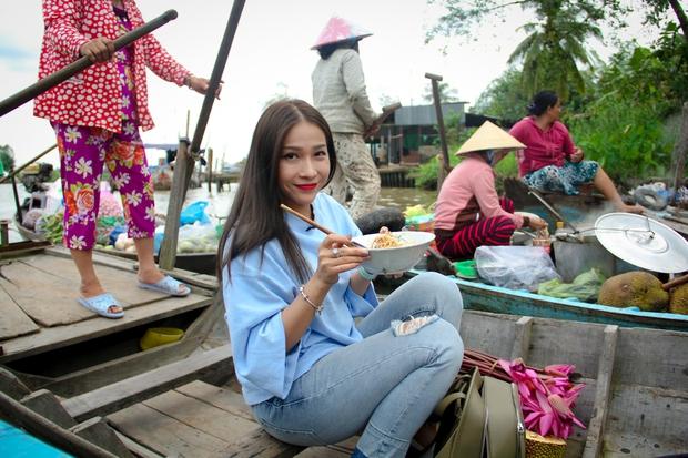 Khả Như rủ Sơn Ngọc Minh cùng về quê để chèo đò, hát vọng cổ - Ảnh 9.
