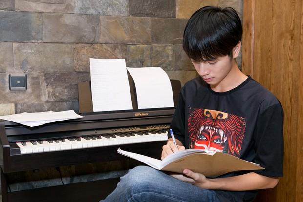 Lê Thiện Hiếu dè chừng nhất Cao Bá Hưng trong Chung kết Sing My Song - Ảnh 4.